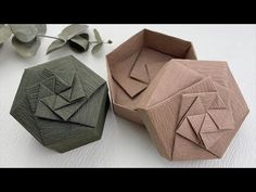 Origami Box Tutorial, Gift Wrapping Tutorial, Gift Wrapping Paper, Fun Crafts, Diy And Crafts, Paper Crafts, Origami Gifts, Origami Boxes, Matchbox Crafts