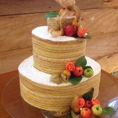 "Babando com esse ""naked"" de bolo de rolo da @casadosfrios!! #bolodecasamento #meucasamentoperfeito"