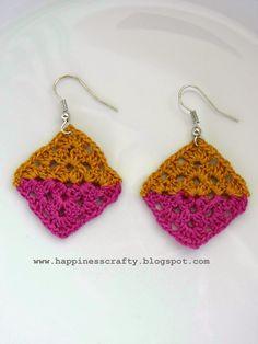 Crochet Double Triangle Granny Square Earrings ~ Free Pattern ༺✿ƬⱤღ  http://www.pinterest.com/teretegui/✿༻