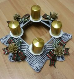 Diy And Crafts, Crafts For Kids, Origami And Kirigami, Advent Wreath, Paper Weaving, Newspaper Crafts, Art N Craft, Paper Basket, Christmas Decorations