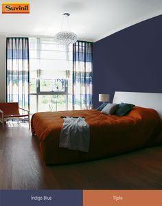 A tonalidade de azul do Índigo Blue é perfeita para combinar tanto com cores fortes quanto com tons neutros, como castanho e bege. É perfeito para levar aconchego aos quartos da casa. Na #PaletaSuvinil:  #ÍndigoBlue e #Tijolo