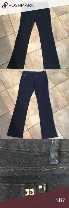"Joe's Dark Wash Jeans Blue Dark wash in perfect like new condition. Twiggy fit. Inseam approx 31"" Joe's Jeans Jeans"