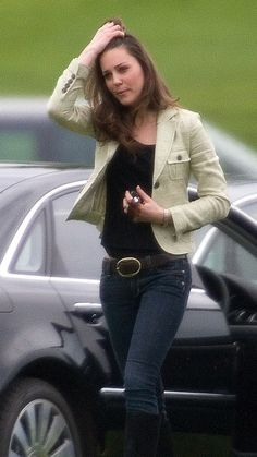 May 2008 | Kate in her go-to casual look: jeans and a jacket. via @AOL_Lifestyle Read more: http://www.aol.com/article/2015/03/06/kate-middletons-style-transformation-all-of-her-best-royal-loo/20642964/?a_dgi=aolshare_pinterest#fullscreen