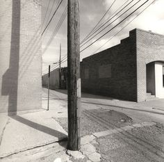 Street / Black and White Photography by Lee Friedlander Lee Friedlander, Monochrome Photography, Urban Photography, Black And White Photography, Street Photography, Landscape Photography, Stephen Shore, Eugene Atget, Edward Hopper