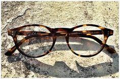 Occhiali tartarugati nel design-store di Pollipò ♥ Eyewear per gli amanti di uno stile senza tempo.
