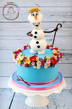 Frozen Olaf in summer cake - straw hat