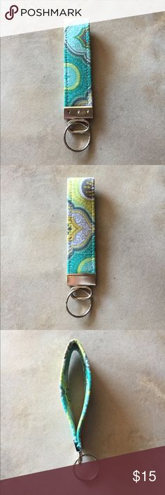 Vera Bradley Keychain NWOT Vera Bradley Keychain Vera Bradley Accessories Key & Card Holders