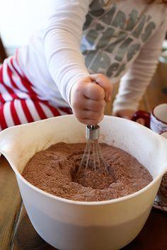 2 cups powdered sugar- 1 cup unsweetened cocoa- 2 1/2 cups non-dairy creamer-  1 teaspoon salt- 2 teaspoons cornstarch