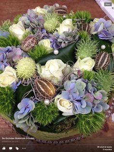 bloemen taart in blauw tinten
