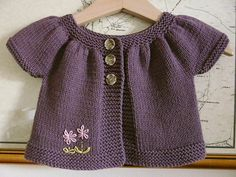 66 Ideas baby clothes christmas free pattern for 2019 Baby Cardigan Knitting Pattern, Knitted Baby Cardigan, Baby Pullover, Baby Knitting Patterns, Baby Patterns, Knitting For Kids, Crochet For Kids, Free Knitting, Knit Crochet