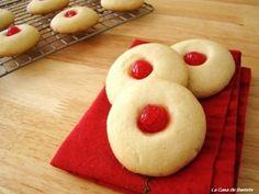 Mantecaditos {Puerto Rican Shortbread Cookies} | La Casa de Sweets