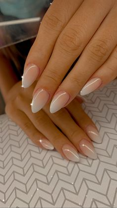 Acrylic Nails Almond Shape, Simple Acrylic Nails, Simple Nails, Classy Almond Nails, Almond Nails Designs, Bride Nails, Nails Only, Oval Nails, Minimalist Nails