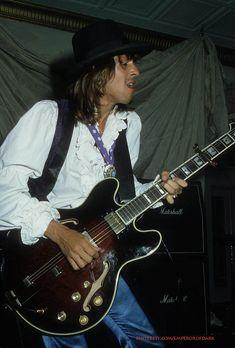 andy mccoy Hanoi Rocks, Music Instruments, Guitar, Musical Instruments, Guitars