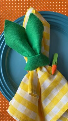 Crochet Coaster Pattern, Ideias Diy, Napkin Folding, Easter Crafts, Easter Bunny, Diy And Crafts, Napkins, Table Decorations, Cool Stuff