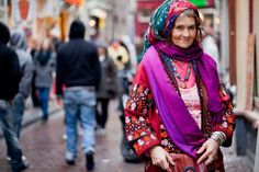 Love this picture! Normal People, People Around The World, Plaid Scarf, Your Style, Photography, Color, Clothes, Beautiful, Collection