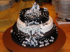 Musta-valkoinen kakku