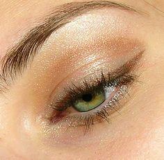simple eye makeup   natural shimmer   metallic   light gold, brown   brown eyeliner