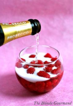 Raspberry & Honey Bellini, this looks soo delicious & pretty! 1 tablespoon Raspberry and Honey Puree, Prosecco or Champagne to top