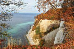 ღღ The Jasmund National Park is a nature reserve in the Jasmund peninsula, in the northeast of Rügen island in Mecklenburg-Vorpommern, Germany. It is famous for the largest chalk cliffs of Germany, the so-called Königsstuhl. Wikipedia ~~~ Nationalpark Jasmund, Mecklenburg-Vorpommern - Die Kreidefelsen der Stubbenkammer sind einer DER Anziehungspunkte der Insel Rügen. Doch die die umliegenden Buchenwälder im Nationalpark Jasmund, die z. T. zum Unesco-Welterbe gehören, sind genauso sehenswert