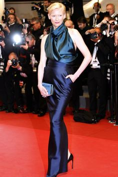 "Tilda Swinton at the premiere of her new movie ""We Need To Talk About Kevin"" in competition at the Festival de Cannes. May 2011 Cannes, France Tilda Swinton, Rachel Mcadams, Dandy, Glamour, Salma Hayek, Red Carpet Dresses, Red Carpet Looks, Cannes Film Festival, Red Carpet Fashion"