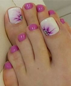 Ideas French Manicure Toes Toenails Fun For 2019 Pedicure Designs, Pedicure Nail Art, Toe Nail Designs, Pedicure Ideas, Summer Toenail Designs, Cute Toenail Designs, French Pedicure, Gel Nail, Pretty Toe Nails