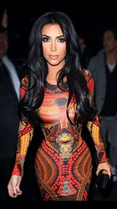 3f62afa4b80e Another great look for the newly beautiful mother Kim Kardashian. Her  gorgeous long pitch black yet shiny hair looks amazing on her.