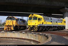 RailPictures.Net Photo: 8030 QUBE Logistics 80 class at Melbourne, Australia by Ian Green
