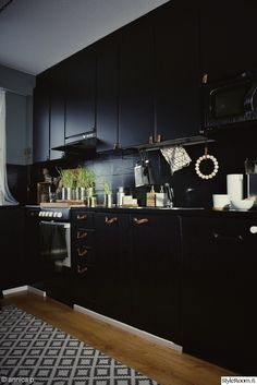 Home Decoration With Lights – toptrendpin. Dc Fix Kitchen, Nordic Home, Black Kitchens, Scandinavian Interior, Kitchen Cabinets, Lights, Interior Design, House, Home Decor