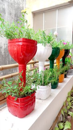 Recycle old bottles plastic into colorful flower pots. Cheap, beautiful and easy for small garden and balcony. You need to prepare plastic bottles and PVC pi. Water Bottle Crafts, Plastic Bottle Crafts, Recycle Plastic Bottles, Plastic Bottle Planter, Plastic Flower Pots, House Plants Decor, Plant Decor, Recycled Garden, Recycled Art