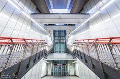 Wien: Die Ästhetik der U-Bahn - Reiseblog von Christian Öser U Bahn, Stairs, Home Decor, Central Station, Architecture, Stairway, Decoration Home, Room Decor, Staircases