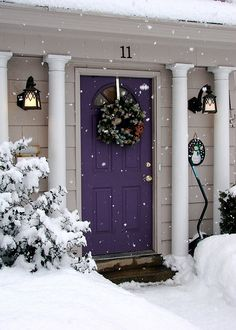 Front Door Paint Colors - Want a quick makeover? Paint your front door a different color. Here a pretty front door color ideas to improve your home's curb appeal and add more style! Interior Exterior, Exterior Colors, Exterior Paint, Interior Design, Purple Front Doors, Front Door Colors, Purple Home, House Doors, Up House