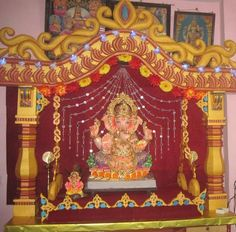 Here are some simple, easy Ganesh Chaturthi decoration ideas for home. These ideas for Ganpati decoration at home are new, fresh, creative and innovative. Ganpati Decoration At Home, Arch Decoration, Decorations, Ganesh Chaturthi Decoration, Ganapati Decoration, 3d Quilling, Diy Backdrop, Pooja Rooms, Diy Flooring