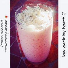 Frozen coconut-strawberry dream Der Sommer kann kommen   Heute hatte ich Lust…