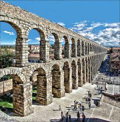 """""""ROMA"""" es un libro de la Editorial Parramón de la colección Grandes Civilizaciones.  Cuenta a los niños cómo era esta civilización, so..."""