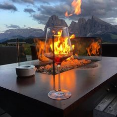 Find images and videos about drink, fire and wine on We Heart It - the app to get lost in what you love. Travel Aesthetic, Luxury Life, Dream Life, Life Is Good, Places To Go, Beautiful Places, Scenery, In This Moment, Drinks