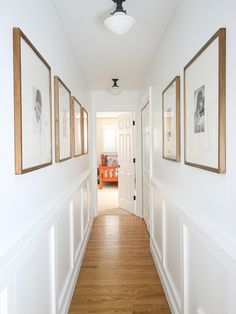 Hallway molding extended from the downstairs entryway into the upstairs narrow hallway. White paint and chairrail height to open up the space. Hallway Wall Decor, Hallway Ideas, Hallway Walls, Narrow Hallway Decorating, Flur Design, Apartment Decoration, Upstairs Hallway, Upstairs Landing, Hallway Inspiration