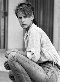 Pictures of young Jamie Lee Curtis peek into the early days of the American actress and author who first made headway in her acting career i. Tony Curtis, Jamie Lee Curtis Young, Janet Leigh, Cinema, Teenager, Star Wars, Sophia Loren, Famous Women, Famous Girls