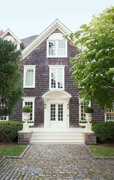 Great entry for an elevated front entry