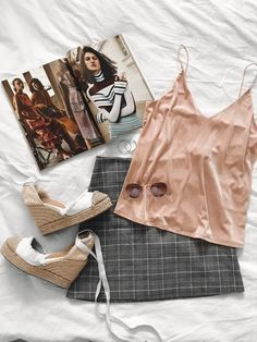essentials 👆🏻 #fashionblogger #fashionmagazine #fashionshoes #ootdgals #ootd #ootdfashion #ootdfashion #fashion #fashionable #outfit #look #ShopStyle #shopthelook #SpringStyle #SummerStyle #MyShopStyle #BeachVacation #WeekendLook #TravelOutfit #OOTD #DateNight #FestivalLooks
