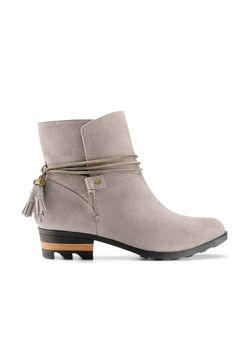 153205a71820 8 Must-Have Ankle Boots for Fall