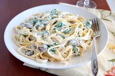 Fettuccine Alfredo with Mushrooms and Spinach