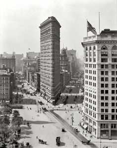 "August 1909. ""The Flat Iron Building, New York."" Fifth Avenue, to the right of the Flatiron, ends at Eighth Street. There we have a fading glimpse of the Washington Arch and behind that, Washington Square Park. The Arch, dedicated in 1895, is really Greenwich Village's most famous landmark."