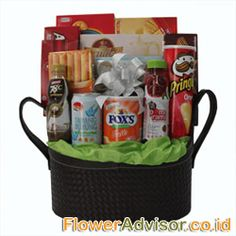 FIESTA DELIGHTS Eid Ul Fitr Hamper consist of Cookies, Biscuits, Candy and more. Presented in Exclusive Box