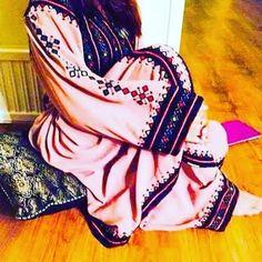 Stylish Dress Designs, Stylish Dresses, Elegant Dresses, Beautiful Dresses, Nice Dresses, Simple Pakistani Dresses, Pakistani Fashion Casual, Pakistani Dress Design, Balochi Girls