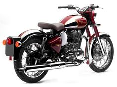 Royal Enfield shows off two new Classic Chrome and Bullet for U. Royal Enfield Bullet, Moto Royal Enfield, Side Car, Enfield Motorcycle, Motorcycle News, Enfield Classic, Cafe Bike, Old Bikes, Looks Cool