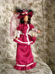 Victorian dolls are my favorite. Victorian Dolls, Antique Dolls, Vintage Dolls, Barbie Clothes, Barbie Dolls, How To Make Clothes, Barbie Friends, Doll Face, Teddy Bears