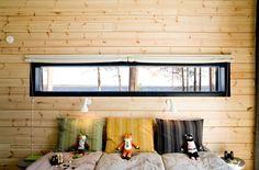 Horizontal Window: I'd love a window like that, - just a little lower, like a window bedpost! :)