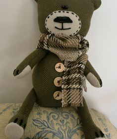 Made a few of these Tweed bears after seeing a pic of one,but no pattern.So I made my own. This one is name Bernard.