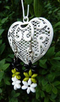 SuperDuo flower earrings Flower Earrings, Beadwork, Pendants, Jewellery, Christmas Ornaments, Holiday Decor, Flowers, Accessories, Jewels