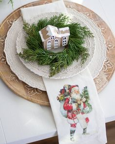 40 Adorable DIY Christmas Craft Ideas Simple and stunning christmas DIY decorations that you can make ceppo christmas Merry Little Christmas, Noel Christmas, All Things Christmas, Winter Christmas, Vintage Christmas, Christmas Crafts, Purple Christmas, Coastal Christmas, Modern Christmas